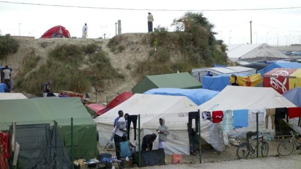 Des mini-centres d'accueil en région pour désengorger Calais