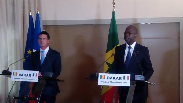 """MANUEL VALLS : La France entend être un """"partenaire de référence"""" pour le Sénégal"""