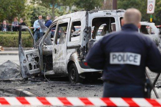 En Essone, quatre policiers blessés par des cocktails Molotov