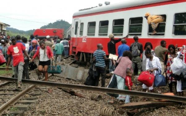 CAMEROUN: Un train déraille et fait 55 morts