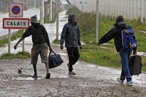 """L'évacuation de la """"jungle"""" de Calais commence lundi"""