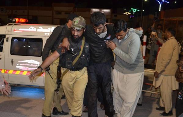PAKISTAN : Au moins 58 morts dans une attaque terroriste contre une école de police