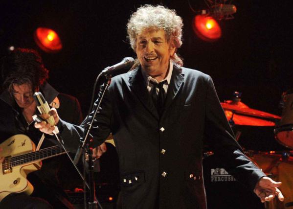 Bob Dylan n'ira pas chercher son Nobel de Littérature
