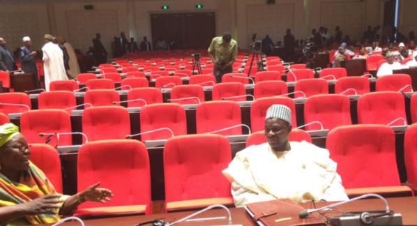 Tchad: Le régime désamorce une motion de censure et une manifestation d'opposants