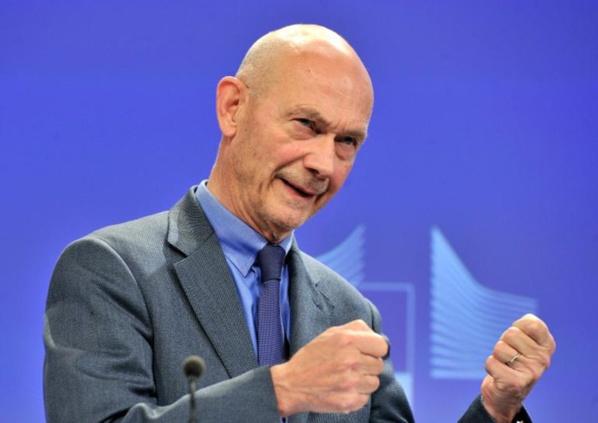 """La Chine doit """"mettre en pratique"""" sa défense du libre-échange (Pascal Lamy)"""