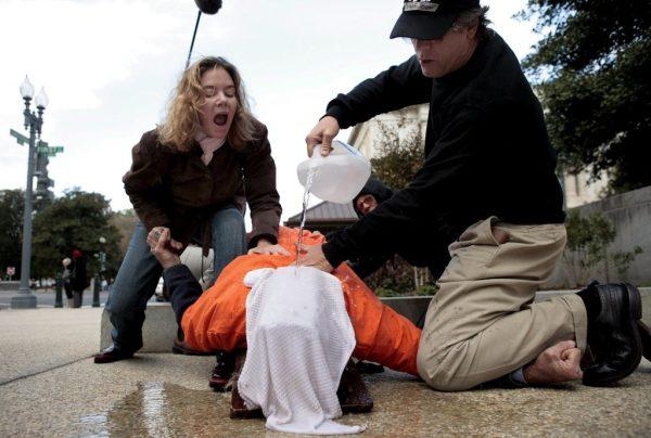 USA: le psychologue soutenant la torture persiste et signe