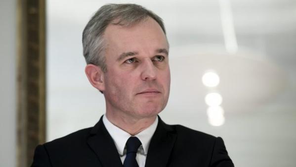 """Rugy demande à Fillon la """"transparence totale"""" sur ses liens avec la Russie"""