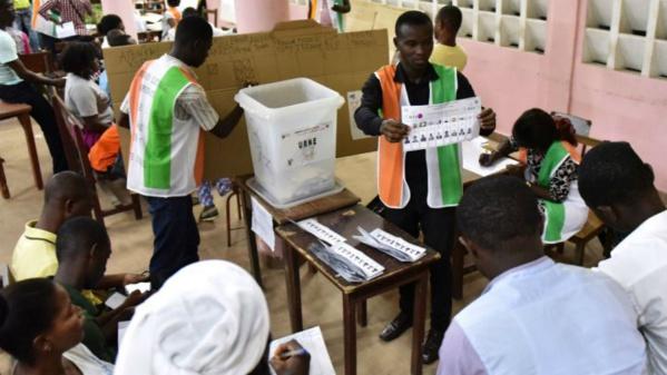 Législatives ivoiriennes: la coalition présidentielle obtient la majorité avec 167 sièges sur 254