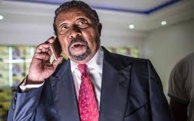 Gabon: Ping appelle la police et l'armée à le rejoindre contre Ali Bongo