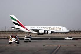 Airbus: le premier A380 équipé de moteurs Rolls-Royce livré à Emirates