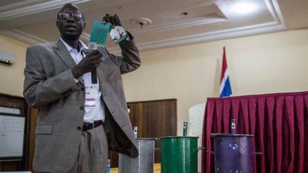 Gambie: réouverture de la commission électorale qui avait été fermée le 13 décembre