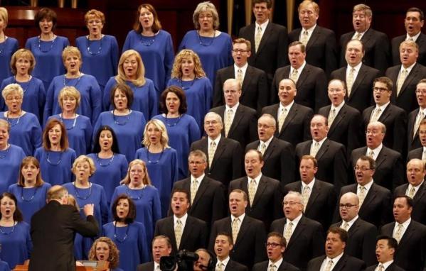 Un membre d'une chorale refuse de se produire devant Trump