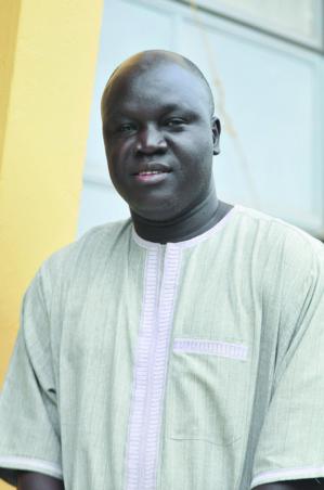 DR MAMADOU NDIAYE (CESTI-UCAD) : « L'adoption du code de la presse permettrait d'assainir le milieu.»