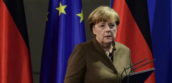 """Les Européens ont leur destin """"en main"""", dit Merkel après les critiques de Trump"""