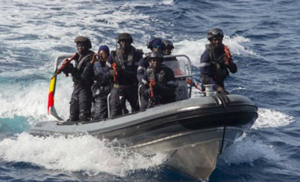 """Gambie: l'armée sénégalaise interviendra à partir de minuit """"si la solution politique échoue"""""""