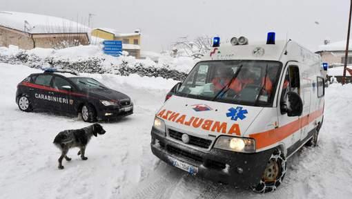 Italie: de nombreux morts dans un hôtel touché par une avalanche (médias)