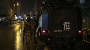 Une roquette manque le quartier-général de la police à Istanbul