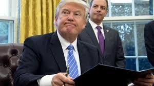 Trump signe un décret pour lancer le projet de mur avec le Mexique