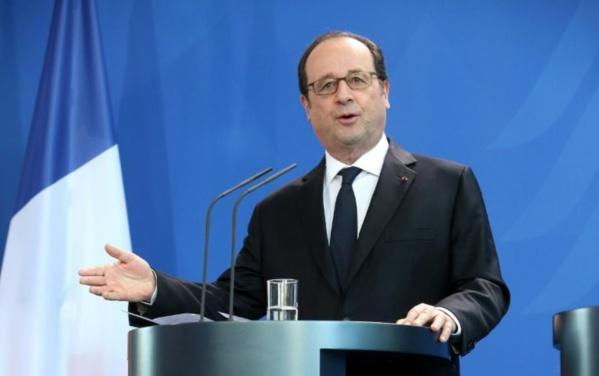 """L'Europe doit """"répondre"""" avec """"fermeté"""" à Trump, selon François Hollande"""