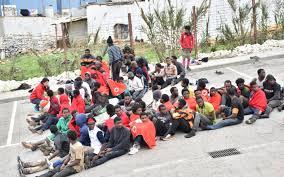 Maroc/Espagne: des centaines de migrants ont forcé la frontière à Ceuta