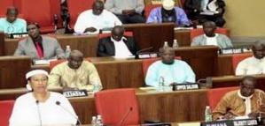 Inscription des candidats aux législatives, 1er scrutin de l'après-Jammeh