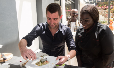 « STORIES OF SENEGAL » : Des talents sénégalais séduisent Chris Cox, chef de produit de Facebook…