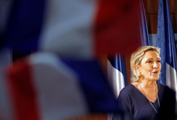 """Le Pen cible Fillon """"en jachère"""" et Macron """"candidat de l'UEMPS"""""""