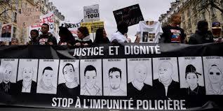 """Quelques milliers de manifestants et des échauffourées à Paris contre les """"violences policières"""""""