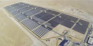 Dubaï inaugure une centrale solaire de 200 MW