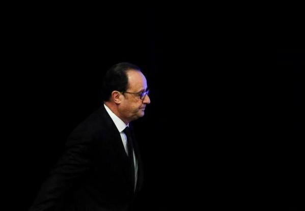 """La """"République exemplaire"""" ne tolère aucune """"suspicion"""", selon Hollande"""