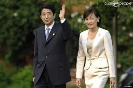 Un scandale lié à des achats de terrains pèse sur le Premier ministre japonais