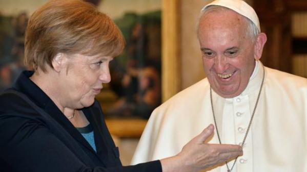 """Pape François: l'UE """"risque de mourir"""" sans idéaux comme """"la solidarité"""""""