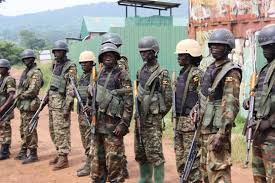 L'armée kényane attaque 2 bases des Chabaab en Somalie, tue 31 rebelles