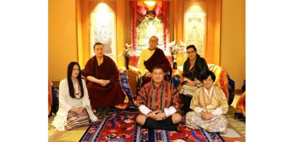 Tibet: un des principaux lamas abandonne la vie monastique pour se marier