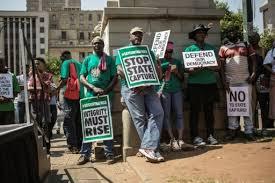 En crise politique, l'Afrique du Sud passe en catégorie spéculative