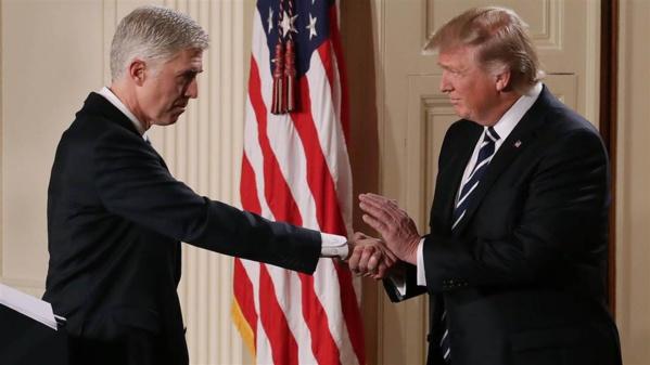 Etats-Unis: la nomination de Neil Gorsuch à la Cour suprême approuvée en commission