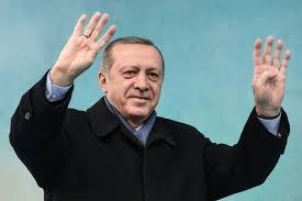 Erdogan tient un meeting géant à Istanbul à une semaine du référendum