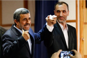Iran: Ahmadinejad candidat à la présidentielle contre l'avis de Khamenei
