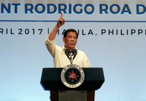 """Kim Jong-un """"veut la fin du monde"""", dit Rodrigo Duterte"""
