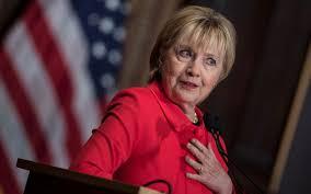 """Hillary Clinton: """"je serais présidente"""" sans les piratages russes et le FBI"""