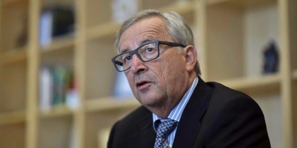 « Les Français dépensent trop », se plaint Juncker à Macron