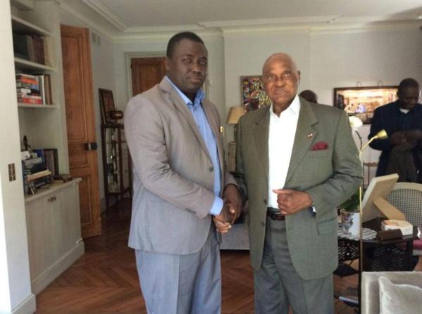 Me Abdoulaye Wade recevant Bamba Fall à Versailles