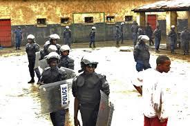 RDC: 11 morts, 900 évasions dans l'attaque d'une prison dans l'est (officiel)