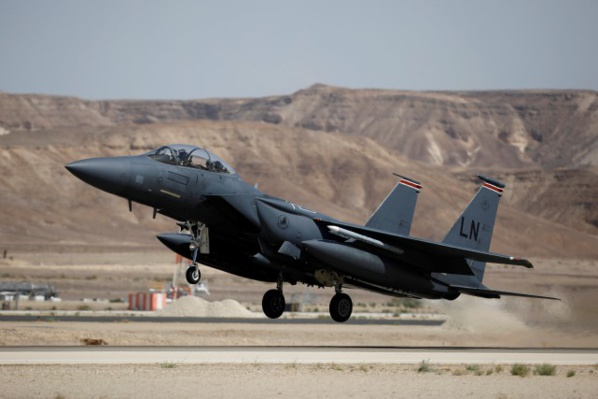 Etats-Unis et Qatar signent une vente de 12 milliards de dollars pour des F-15