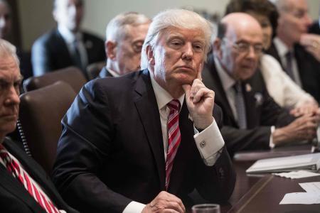 """Trump dénonce une """"chasse aux sorcières"""", son avocat nie toute enquête"""