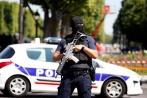 Intervention de police en cours sur les Champs-Elysées, annonce la préfecture