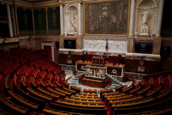 Grandes manoeuvres post-législatives dans tous les partis