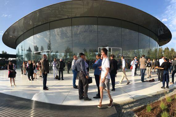 Voulu par Steve Jobs, le nouveau siège futuriste d'Apple, symbole de sa puissance