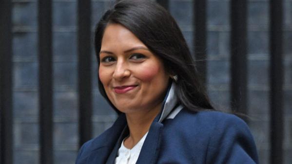 Une ministre britannique sur la sellette pour des rencontres secrètes avec Israël