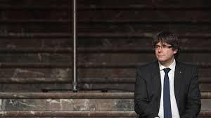 """Catalogne: Puigdemont assure qu'une """"autre solution"""" que l'indépendance reste possible"""